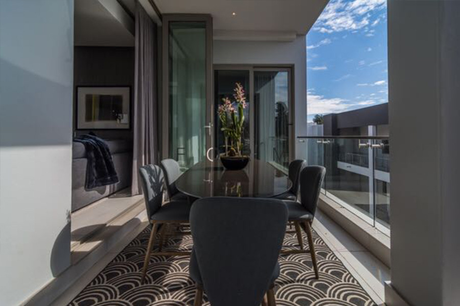 Form Design Gallery - Hyde Park Penthouse